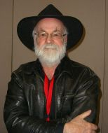Novelist Terry Pratchett on Day 2 of the 2012 New York Comic Con, Friday October 12, 2012 © Luigi Novi / Wikimedia Commons