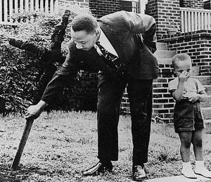 mlk jr removing burnt cross from lawn