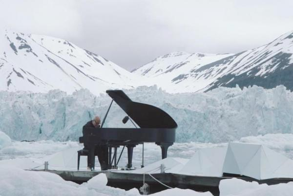 Composer-performs-on-floating-platform-in-the-Arctic