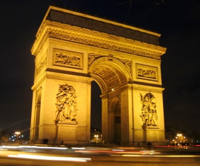 Arc_de_Triomphe_place_de_l'Etoile_la_nuit Paris