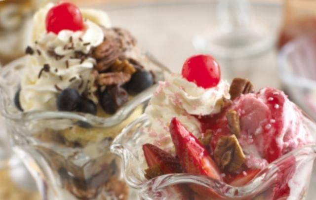 Ice_cream_sundaes