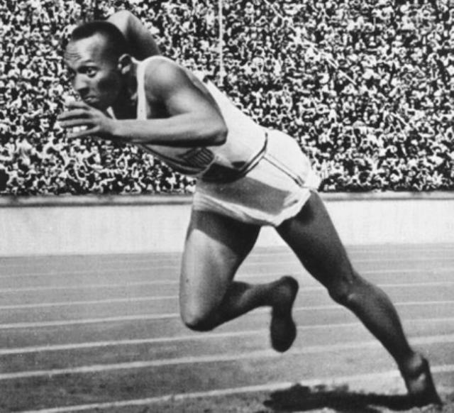 Jesse_Owens_berlin_1936 Olympics