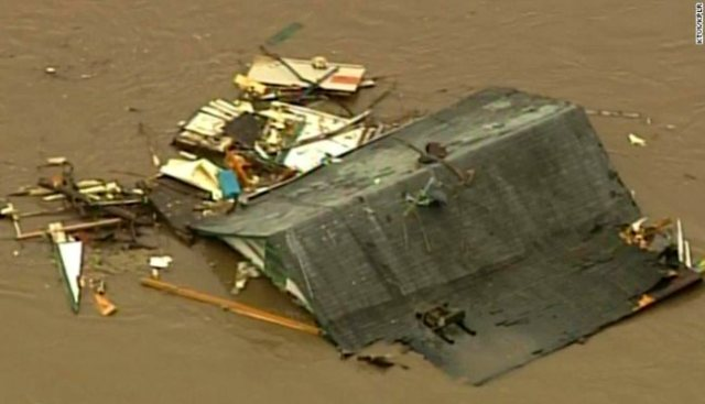 missouri-floods-roof-rescue-house-underwater