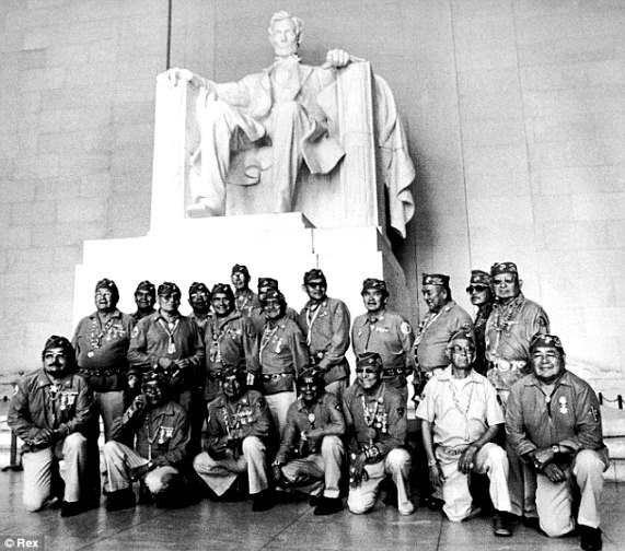 Navajo Code Talkers at Lincoln Memorial