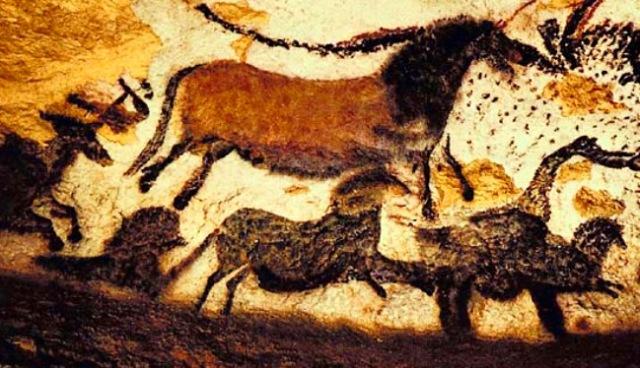 bulls-and-horses-lascaux-caves