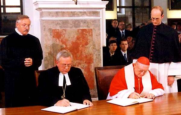 catholics-and-lutherans-sign-1999-joint-declaration-doctrine-of-justification