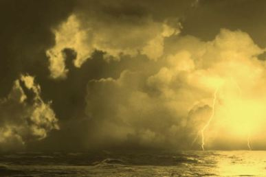 lightning-storm-sea