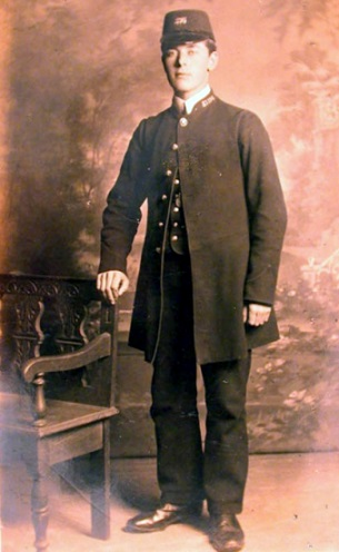 u-s-postman-in-uniform-c-1868