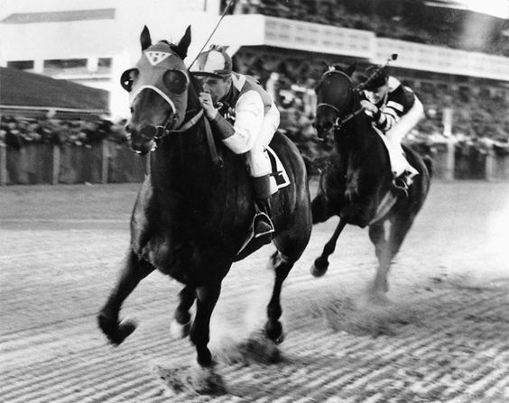 1938-seabiscuit-defeats-war-admiral