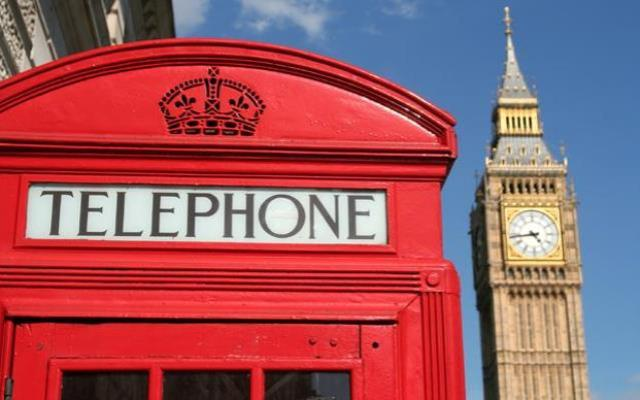 british-red-telephone-box-with-big-ben