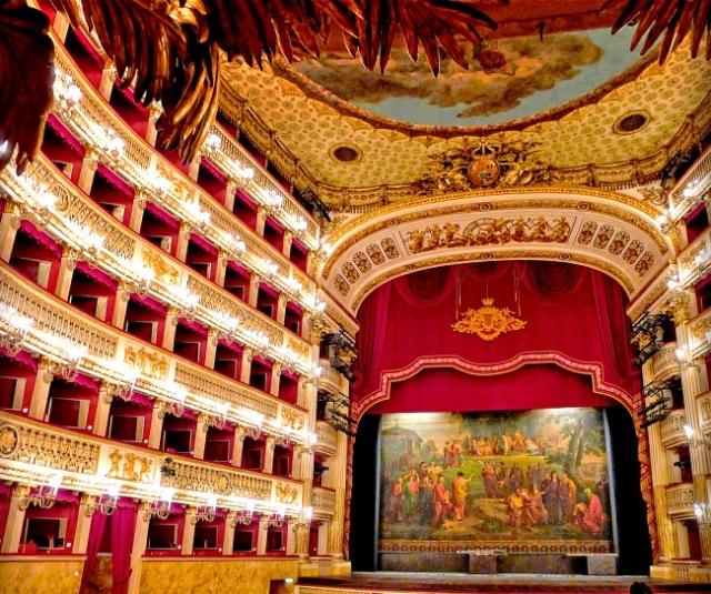 real-teatro-di-san-carlo-naples