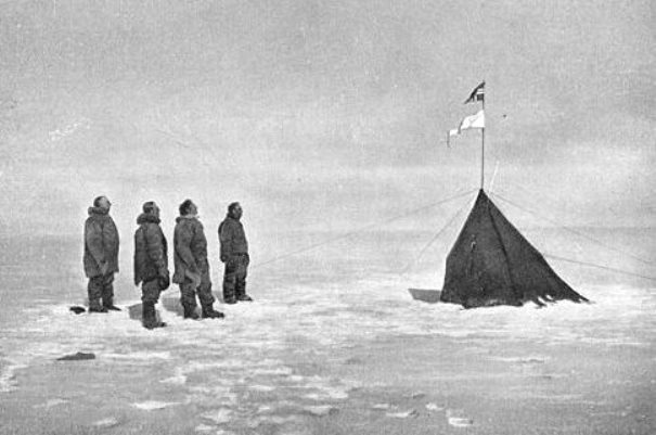 amundsen-team_south_pole_december_1911