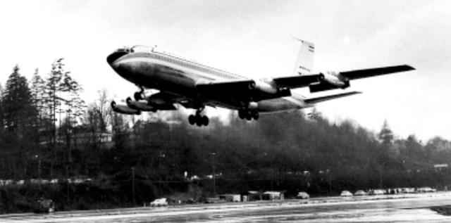 boeing-707-1st-flight-1957