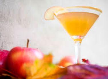 spiced-caramel-apple-martini
