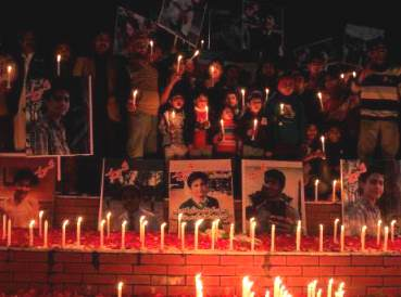 vigil-for-victims-at-pakistan-school-of-taliban-attack