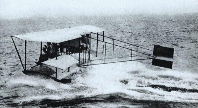 glenn-curtiss-seaplane-1911