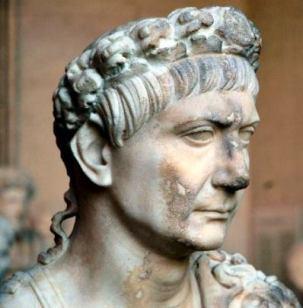 emperor-trajan-statue