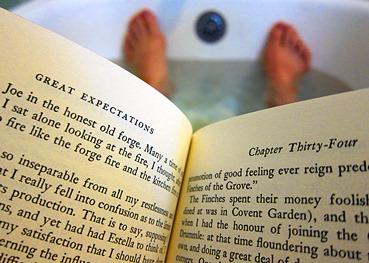 read-in-the-bathtub-day