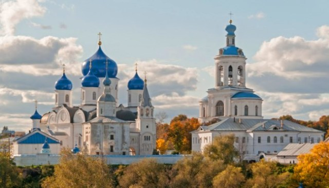 white-monuments-of-vladimir-and-suzdal