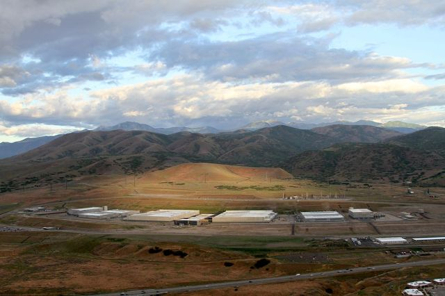 EFF_photograph_of_NSA's_Utah_Data_Center