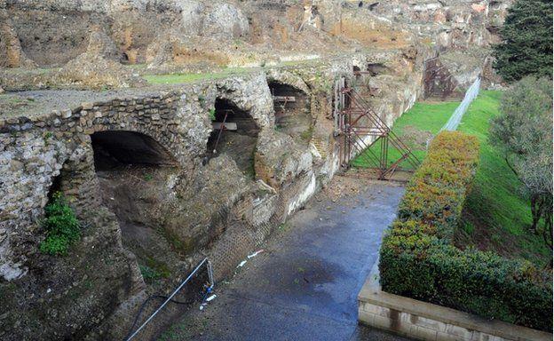 flood-damaged-temple-of-venus-in-pompeii